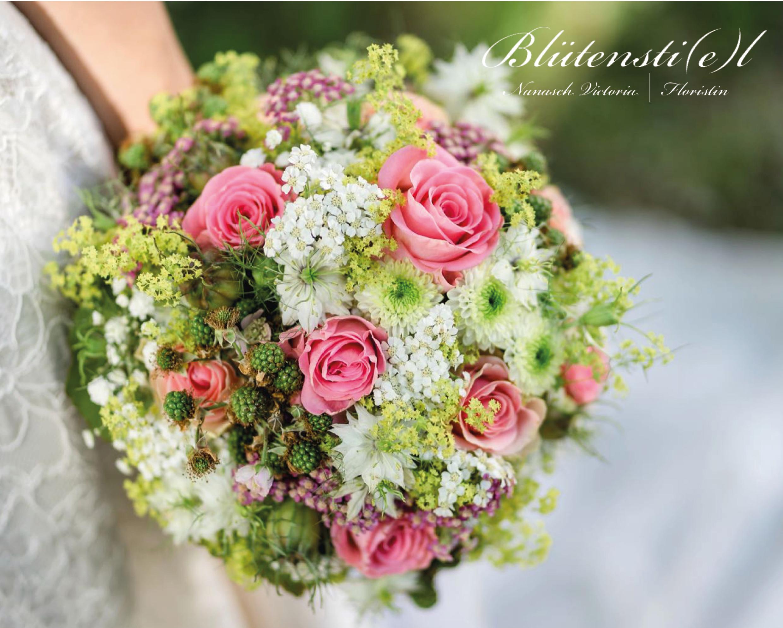 Blumen und Dekoration die verzaubert