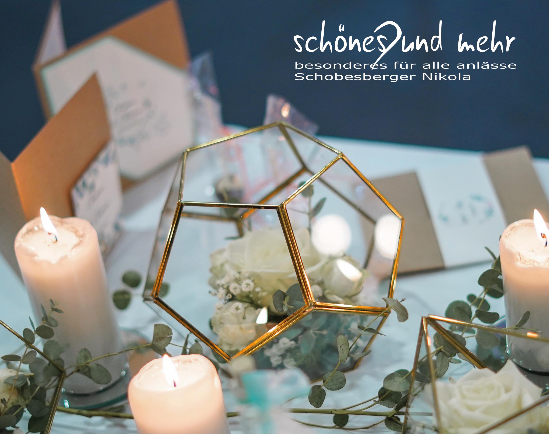 Bezaubernde Einladungen, Kerzen und Dekorationen